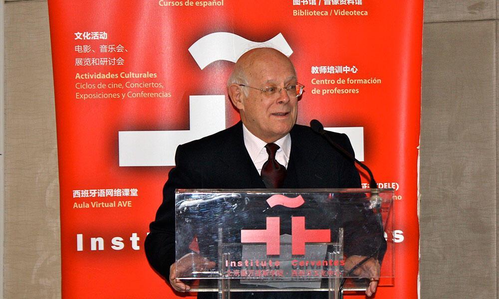 Presentan en Pekín el documental y el libro «Más allá del Everest»
