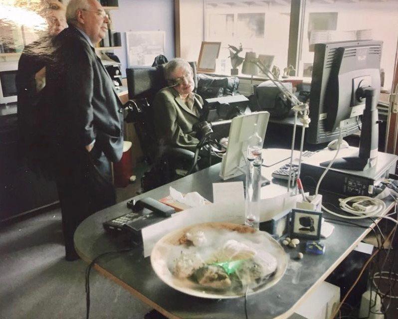 Stephen Hawking. Obituario