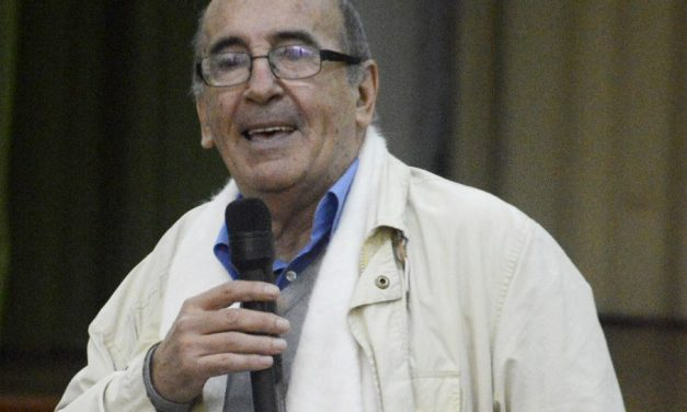 El escritor uruguayo Mario Delgado Aparaín recibe el premio «Morosoli de oro 2018»